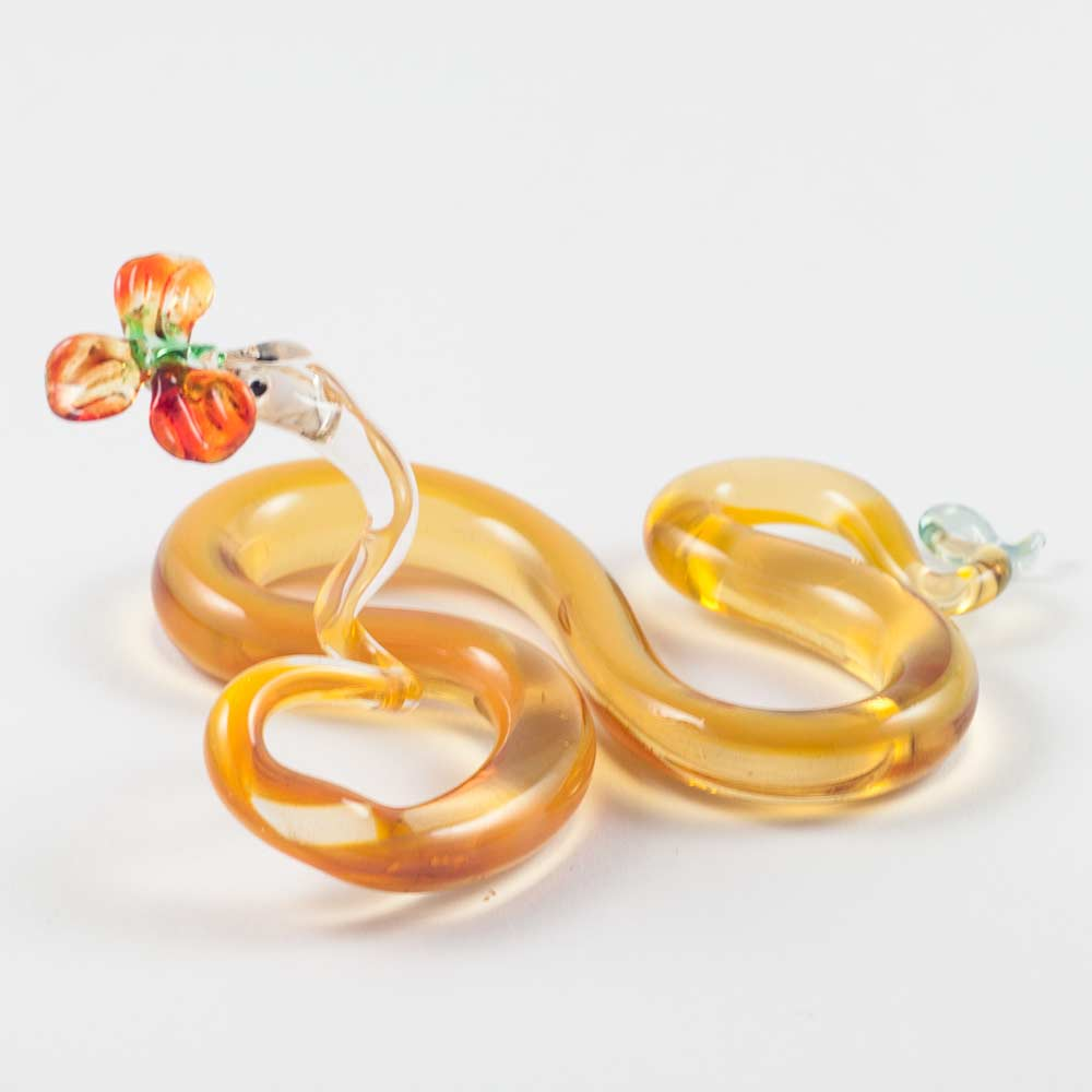 Стеклянная фигурка змея с цветком Рептилии