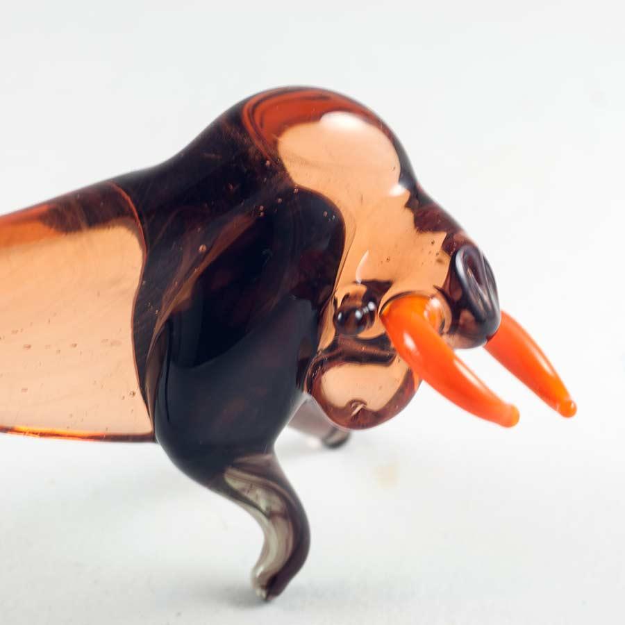 Бык свирепый фигурка стеклянная Животные