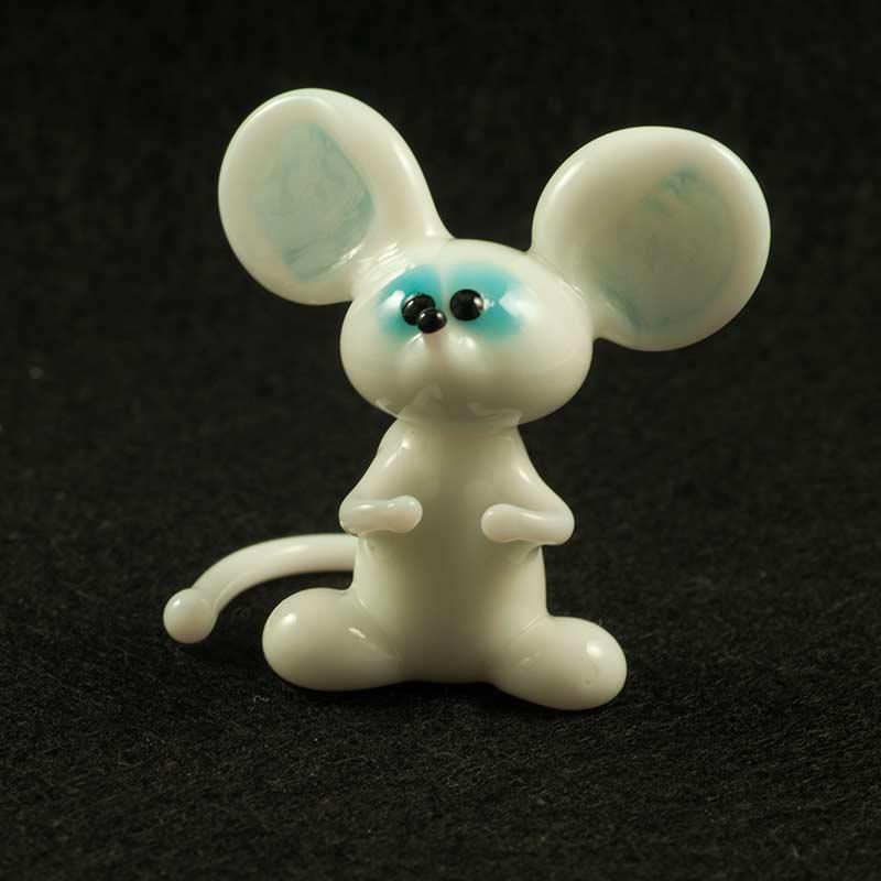 Мышь белая Животные