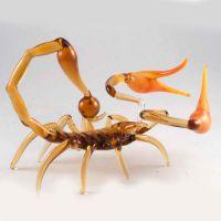 Скорпион фигурка из стекла